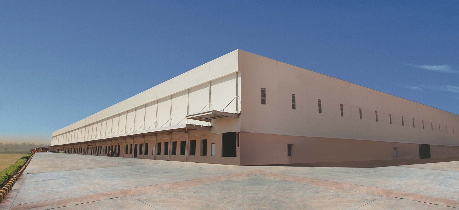 perfectly finished warehouse with colorbond coated steel